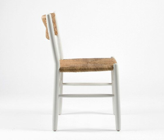 https://res.cloudinary.com/clippings/image/upload/t_big/dpr_auto,f_auto,w_auto/v1/product_bases/stipa-9081-chair-by-maiori-design-maiori-design-clippings-6886312.jpg