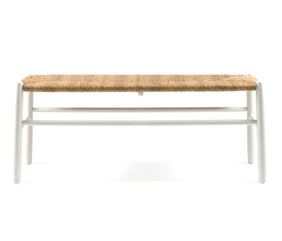 https://res.cloudinary.com/clippings/image/upload/t_big/dpr_auto,f_auto,w_auto/v1/product_bases/stipa-9082-bench-by-maiori-design-maiori-design-clippings-4244402.jpg