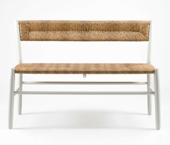 https://res.cloudinary.com/clippings/image/upload/t_big/dpr_auto,f_auto,w_auto/v1/product_bases/stipa-9086-bench-by-maiori-design-maiori-design-clippings-4243482.jpg