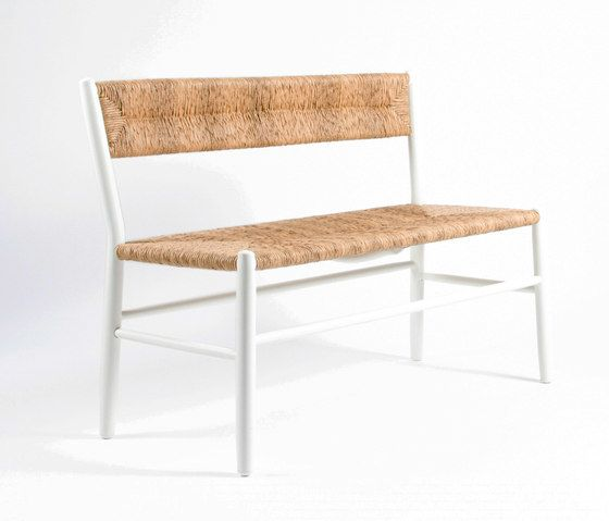 https://res.cloudinary.com/clippings/image/upload/t_big/dpr_auto,f_auto,w_auto/v1/product_bases/stipa-9086-bench-by-maiori-design-maiori-design-clippings-4243492.jpg
