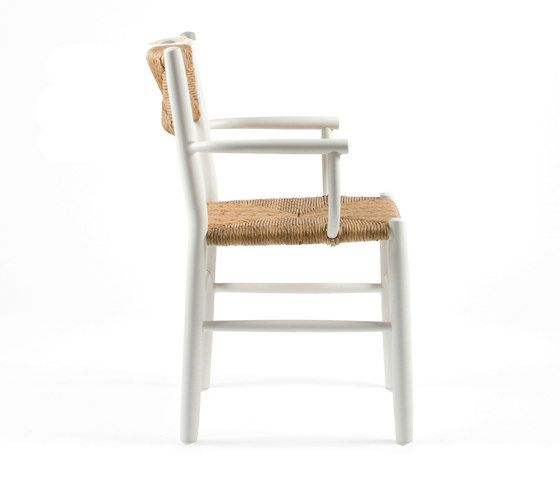 https://res.cloudinary.com/clippings/image/upload/t_big/dpr_auto,f_auto,w_auto/v1/product_bases/stipa-9087-armchair-by-maiori-design-maiori-design-clippings-6576192.jpg