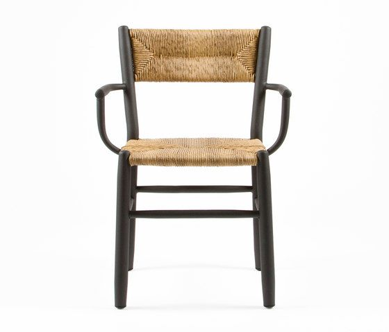 https://res.cloudinary.com/clippings/image/upload/t_big/dpr_auto,f_auto,w_auto/v1/product_bases/stipa-9087-armchair-by-maiori-design-maiori-design-clippings-6576392.jpg