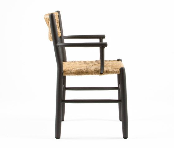 https://res.cloudinary.com/clippings/image/upload/t_big/dpr_auto,f_auto,w_auto/v1/product_bases/stipa-9087-armchair-by-maiori-design-maiori-design-clippings-6576502.jpg