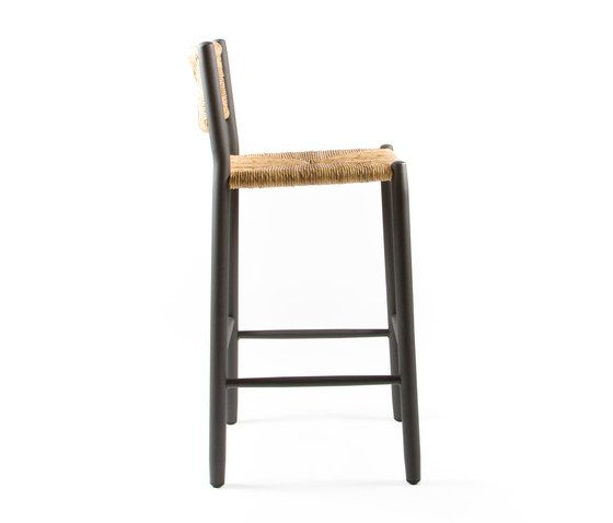 https://res.cloudinary.com/clippings/image/upload/t_big/dpr_auto,f_auto,w_auto/v1/product_bases/stipa-9092-highchair-by-maiori-design-maiori-design-clippings-4938322.jpg