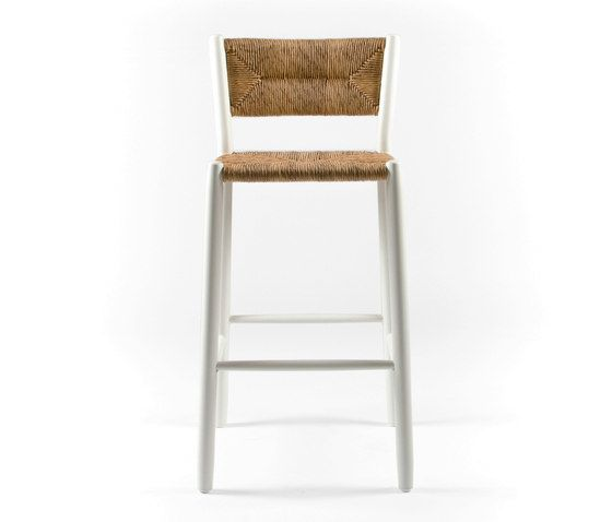 https://res.cloudinary.com/clippings/image/upload/t_big/dpr_auto,f_auto,w_auto/v1/product_bases/stipa-9092-highchair-by-maiori-design-maiori-design-clippings-4938402.jpg