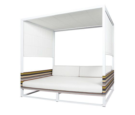 https://res.cloudinary.com/clippings/image/upload/t_big/dpr_auto,f_auto,w_auto/v1/product_bases/stripe-daybed-by-mamagreen-mamagreen-clippings-4329662.jpg