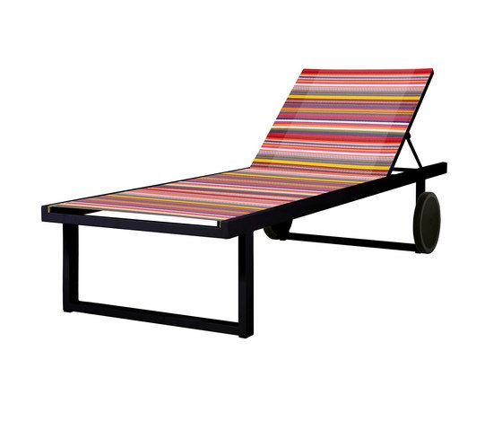 https://res.cloudinary.com/clippings/image/upload/t_big/dpr_auto,f_auto,w_auto/v1/product_bases/stripe-lounger-by-mamagreen-mamagreen-clippings-4320132.jpg