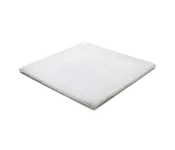 https://res.cloudinary.com/clippings/image/upload/t_big/dpr_auto,f_auto,w_auto/v1/product_bases/studio-nyc-polyester-edition-icey-grey-by-kymo-kymo-clippings-6166642.jpg