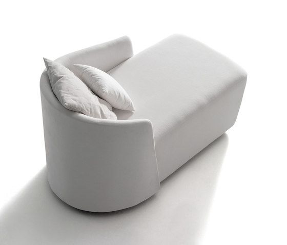 https://res.cloudinary.com/clippings/image/upload/t_big/dpr_auto,f_auto,w_auto/v1/product_bases/supernatural-chaise-longue-by-mobilfresno-alternative-mobilfresno-alternative-jorge-pensi-clippings-6253702.jpg