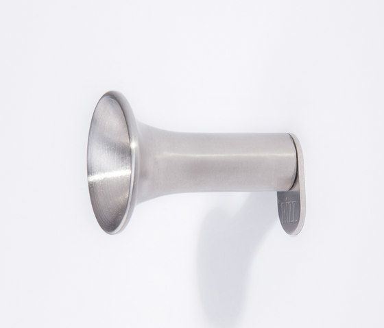 https://res.cloudinary.com/clippings/image/upload/t_big/dpr_auto,f_auto,w_auto/v1/product_bases/the-trumpet-by-rizz-rizz-teun-fleskens-clippings-5457742.jpg