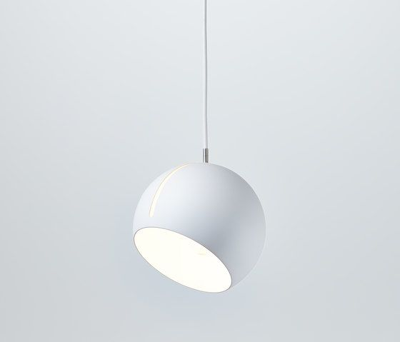 https://res.cloudinary.com/clippings/image/upload/t_big/dpr_auto,f_auto,w_auto/v1/product_bases/tilt-globe-pendant-lamp-by-nyta-nyta-clippings-2940642.jpg