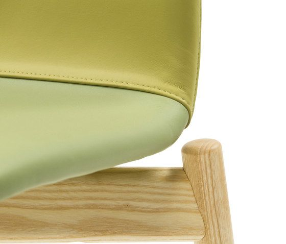 https://res.cloudinary.com/clippings/image/upload/t_big/dpr_auto,f_auto,w_auto/v1/product_bases/two-tone-chair-by-discipline-discipline-ichiro-iwasaki-clippings-2651402.jpg