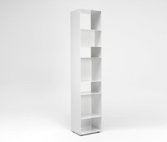 https://res.cloudinary.com/clippings/image/upload/t_big/dpr_auto,f_auto,w_auto/v1/product_bases/unit-u1-1-shelf-by-muller-mobelfabrikation-muller-mobelfabrikation-werksdesign-clippings-3770122.jpg