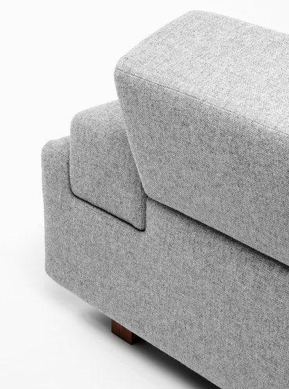 https://res.cloudinary.com/clippings/image/upload/t_big/dpr_auto,f_auto,w_auto/v1/product_bases/upside-down-couch-by-de-vorm-de-vorm-annet-neugebauer-jeroen-ter-hoeven-clippings-3498142.jpg