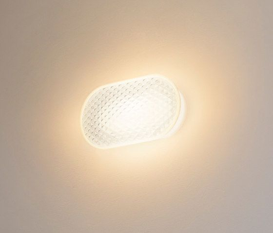 https://res.cloudinary.com/clippings/image/upload/t_big/dpr_auto,f_auto,w_auto/v1/product_bases/vitro-wall-and-ceiling-lamp-by-fontanaarte-fontanaarte-emmanuel-babled-clippings-2262942.jpg