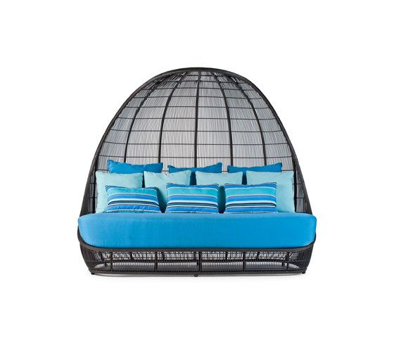 https://res.cloudinary.com/clippings/image/upload/t_big/dpr_auto,f_auto,w_auto/v1/product_bases/voyage-daybed-by-kenneth-cobonpue-kenneth-cobonpue-kenneth-cobonpue-clippings-4332722.jpg