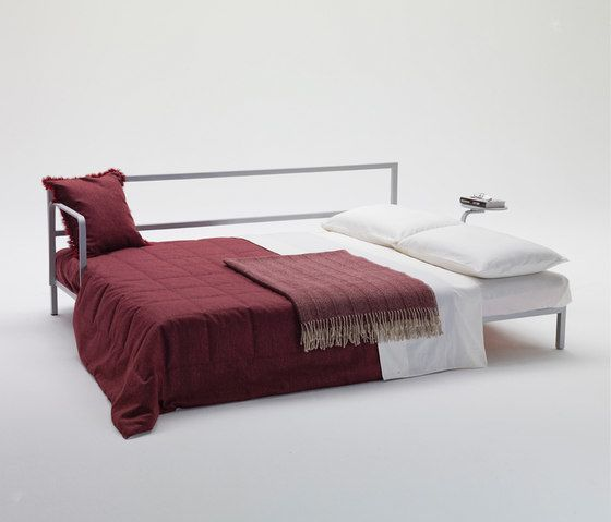 https://res.cloudinary.com/clippings/image/upload/t_big/dpr_auto,f_auto,w_auto/v1/product_bases/willy-side-by-milano-bedding-milano-bedding-elisabetta-garoni-sabina-sallemi-clippings-4855672.jpg