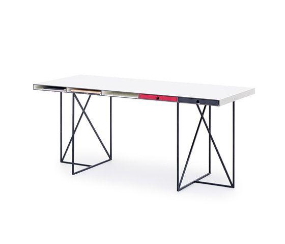 WOGG CARO Desk Moderato by WOGG by WOGG