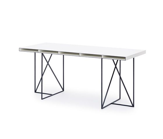 https://res.cloudinary.com/clippings/image/upload/t_big/dpr_auto,f_auto,w_auto/v1/product_bases/wogg-caro-desk-moderato-by-wogg-wogg-christophe-marchand-clippings-3432452.jpg