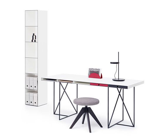 https://res.cloudinary.com/clippings/image/upload/t_big/dpr_auto,f_auto,w_auto/v1/product_bases/wogg-caro-desk-moderato-by-wogg-wogg-christophe-marchand-clippings-3432472.jpg