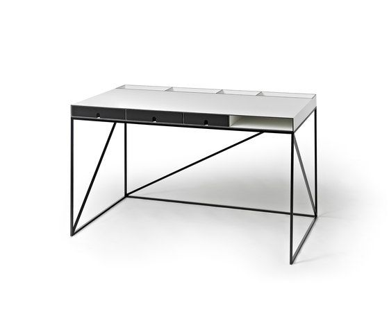 https://res.cloudinary.com/clippings/image/upload/t_big/dpr_auto,f_auto,w_auto/v1/product_bases/wogg-caro-writing-table-by-wogg-wogg-christophe-marchand-clippings-3359662.jpg