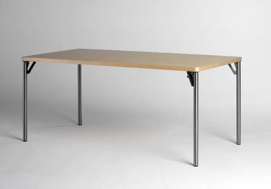 https://res.cloudinary.com/clippings/image/upload/t_big/dpr_auto,f_auto,w_auto/v1/product_bases/wogg-tira-folding-table-oi-by-wogg-wogg-atelier-oi-clippings-3376282.jpg