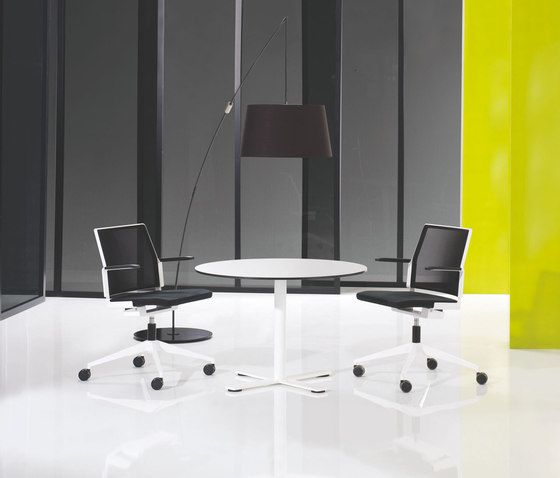 X12 Coloumn with cross foot base by Holmris Office by Holmris Office