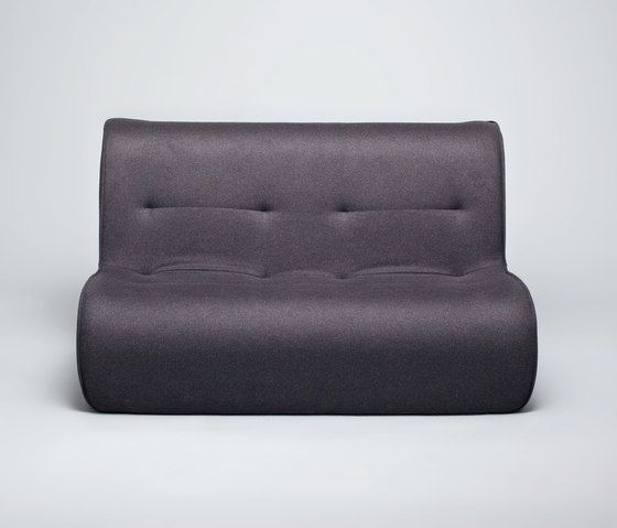 https://res.cloudinary.com/clippings/image/upload/t_big/dpr_auto,f_auto,w_auto/v1/product_bases/zulu-sofa-by-comforty-comforty-tomek-rygalik-clippings-5250522.jpg