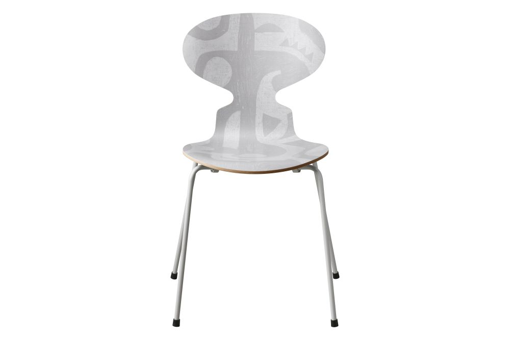 https://res.cloudinary.com/clippings/image/upload/t_big/dpr_auto,f_auto,w_auto/v1/products/ant-dining-chair-deco-silhouette-grey-grey-high-seat-fritz-hansen-arne-jacobsen-clippings-11317901.jpg