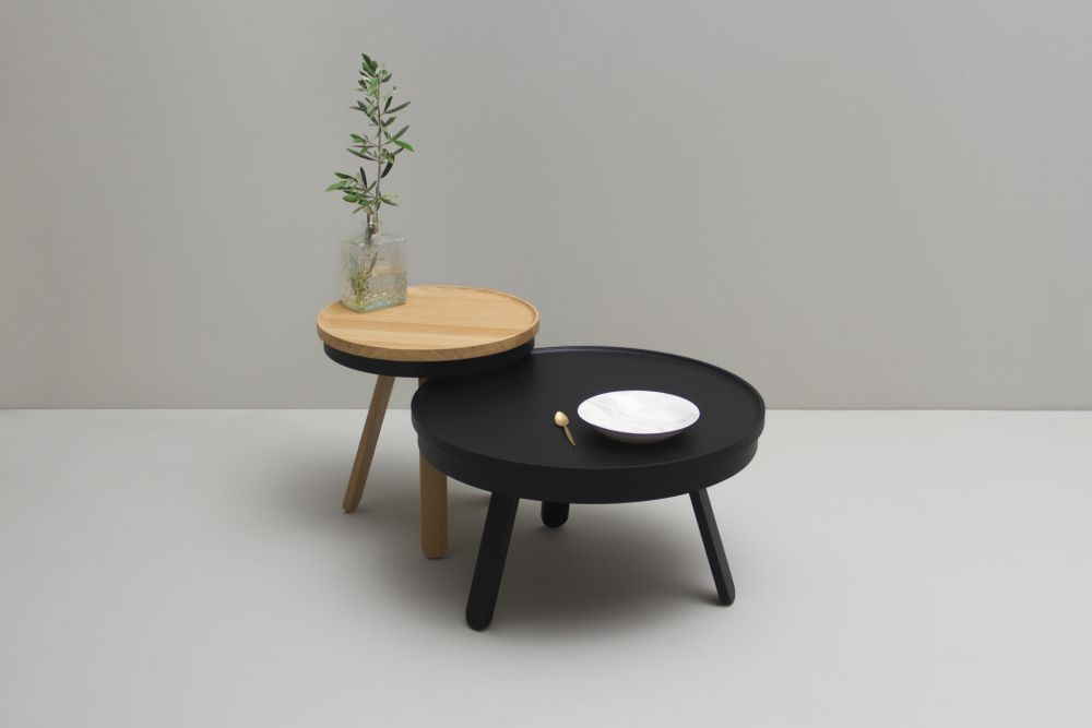https://res.cloudinary.com/clippings/image/upload/t_big/dpr_auto,f_auto,w_auto/v1/products/batea-m-coffee-table-with-storage-woodendot-mar%C3%ADa-vargas-daniel-garc%C3%ADa-clippings-8621321.jpg