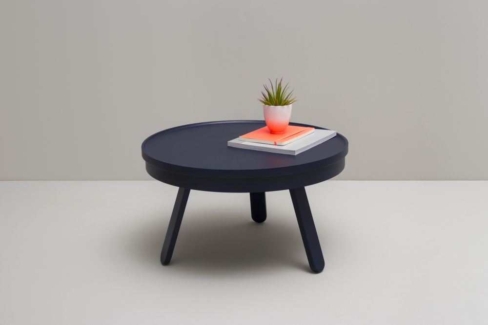 https://res.cloudinary.com/clippings/image/upload/t_big/dpr_auto,f_auto,w_auto/v1/products/batea-m-coffee-table-with-storage-woodendot-mar%C3%ADa-vargas-daniel-garc%C3%ADa-clippings-8621331.jpg