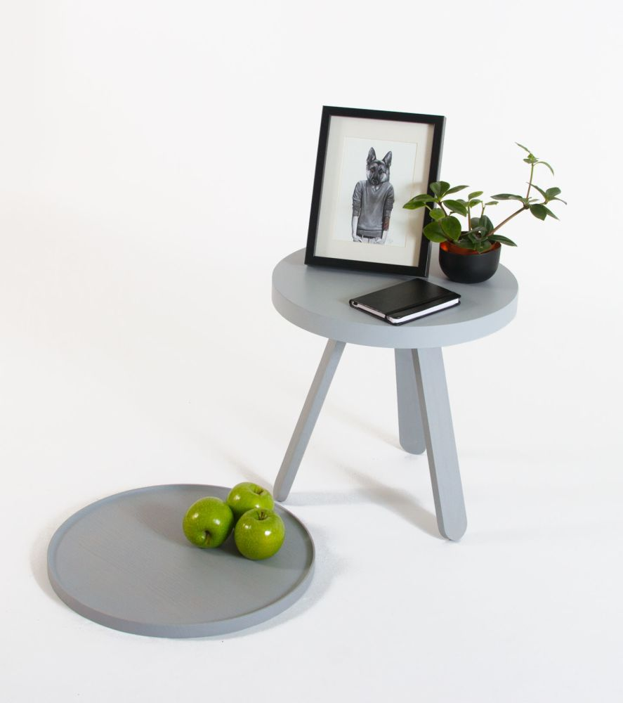 https://res.cloudinary.com/clippings/image/upload/t_big/dpr_auto,f_auto,w_auto/v1/products/batea-s-tray-table-woodendot-mar%C3%ADa-vargas-daniel-garc%C3%ADa-clippings-8620311.jpg