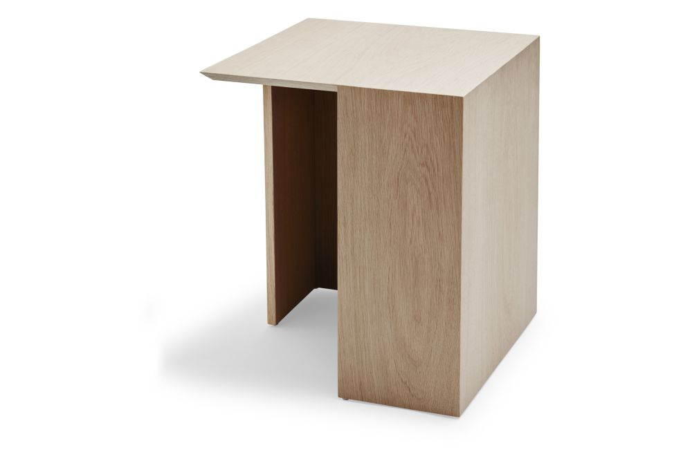 https://res.cloudinary.com/clippings/image/upload/t_big/dpr_auto,f_auto,w_auto/v1/products/building-side-table-natural-oak-large-skagerak-bicolter-clippings-11288976.jpg