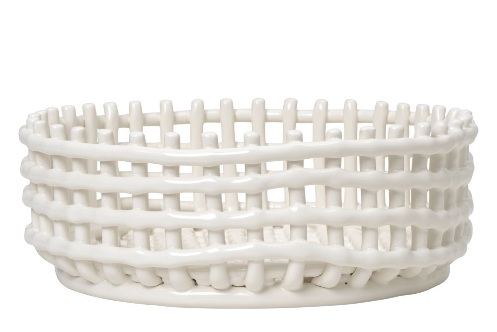 https://res.cloudinary.com/clippings/image/upload/t_big/dpr_auto,f_auto,w_auto/v1/products/ceramic-centrepiece-off-white-off-white-ferm-living-clippings-11506316.jpg