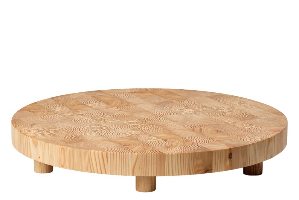 https://res.cloudinary.com/clippings/image/upload/t_big/dpr_auto,f_auto,w_auto/v1/products/chess-cutting-board-round-large-ferm-living-ferm-living-clippings-11483211.jpg