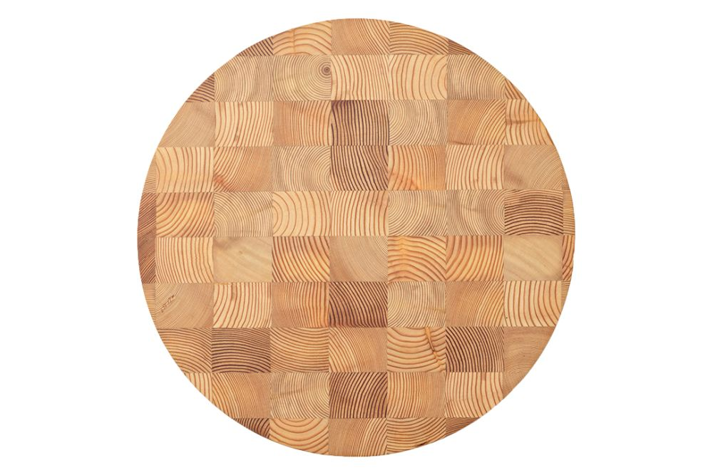 https://res.cloudinary.com/clippings/image/upload/t_big/dpr_auto,f_auto,w_auto/v1/products/chess-cutting-board-round-small-ferm-living-ferm-living-clippings-11483213.jpg
