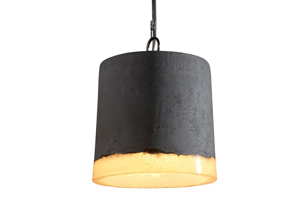 https://res.cloudinary.com/clippings/image/upload/t_big/dpr_auto,f_auto,w_auto/v1/products/concrete-pendant-light-renate-vos-clippings-1163511.jpg