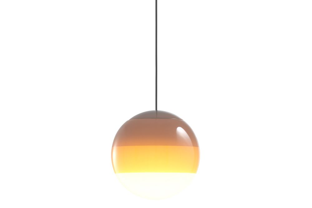 https://res.cloudinary.com/clippings/image/upload/t_big/dpr_auto,f_auto,w_auto/v1/products/dipping-pendant-light-135-glass-amber-marset-jordi-canudas-clippings-11531141.jpg