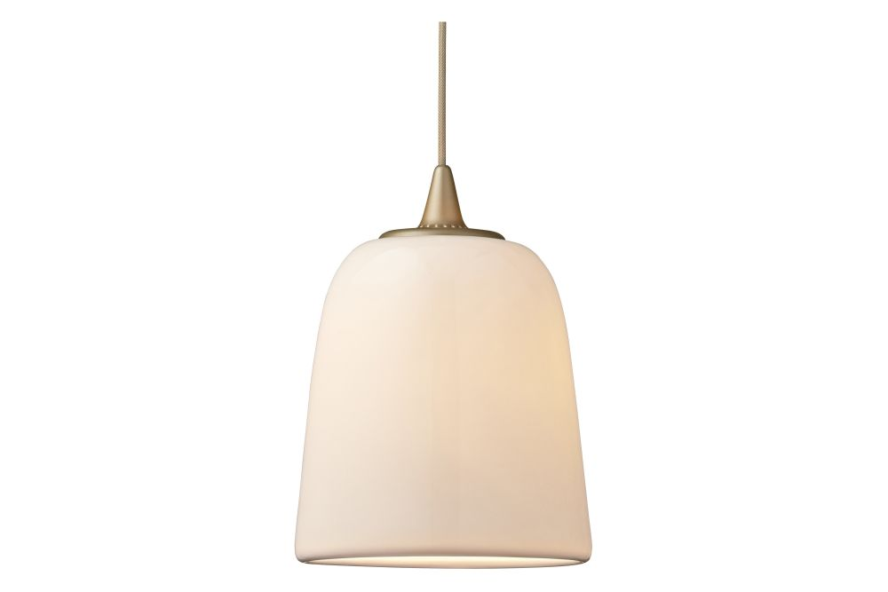 https://res.cloudinary.com/clippings/image/upload/t_big/dpr_auto,f_auto,w_auto/v1/products/dogu-pendant-light-gold-fritz-hansen-michael-geertsen-clippings-11323993.jpg