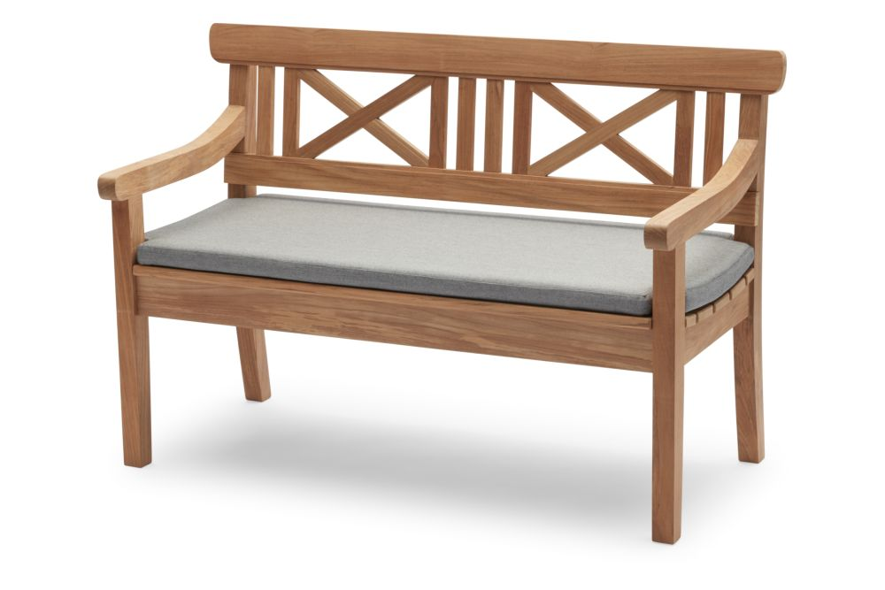 https://res.cloudinary.com/clippings/image/upload/t_big/dpr_auto,f_auto,w_auto/v1/products/drachmann-bench-with-cushion-teak-120-ash-skagerak-bernt-santesson-clippings-11300586.jpg