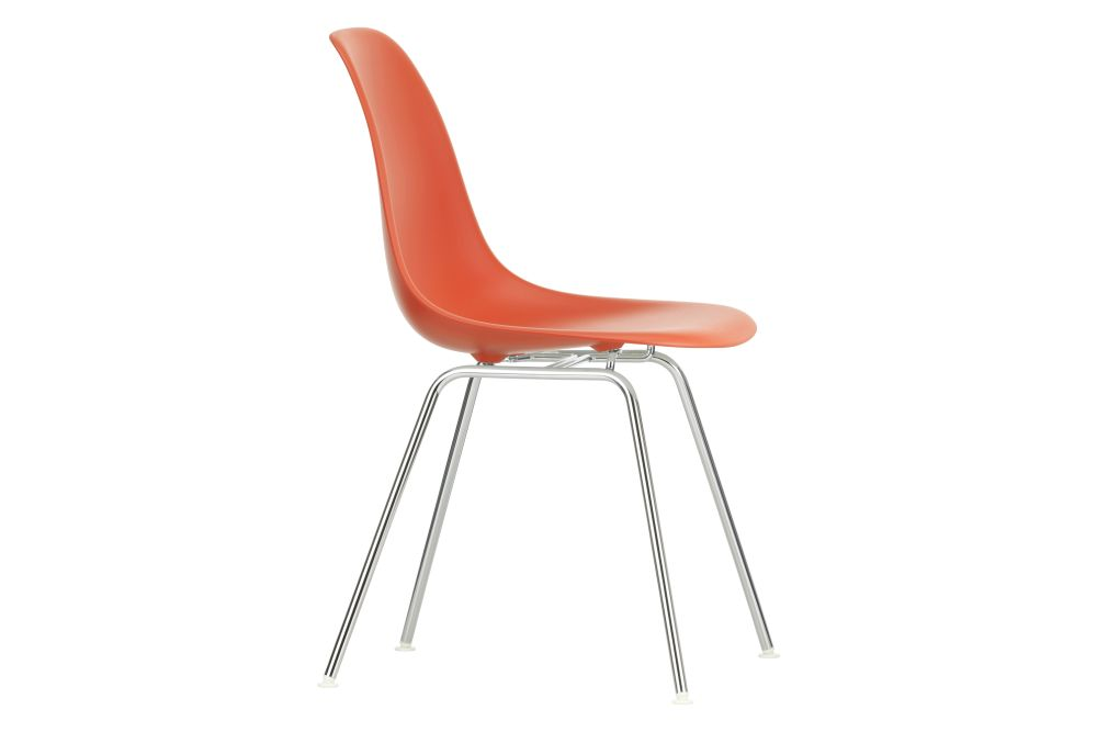 https://res.cloudinary.com/clippings/image/upload/t_big/dpr_auto,f_auto,w_auto/v1/products/eames-dsx-plastic-side-chair-plastic-shell-01-chrome-carpet-basic-dark-vitra-charles-ray-eames-clippings-11323537.jpg