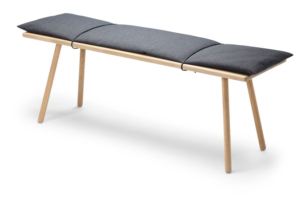 https://res.cloudinary.com/clippings/image/upload/t_big/dpr_auto,f_auto,w_auto/v1/products/georg-bench-dark-grey-and-black-skagerak-chris-liljenberg-halstr%C3%B8m-clippings-11289325.jpg