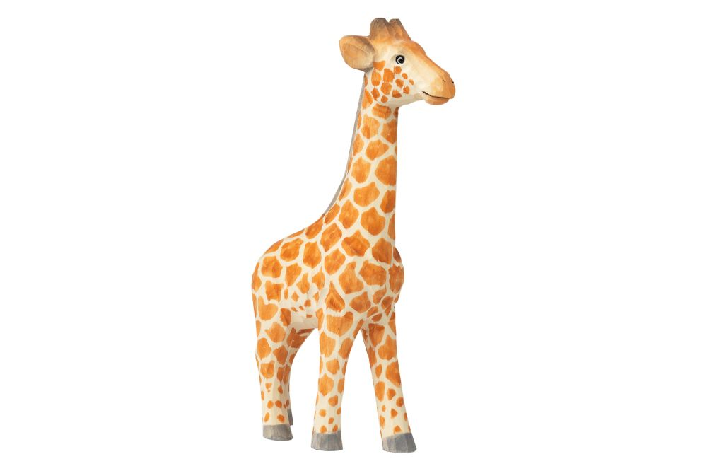 https://res.cloudinary.com/clippings/image/upload/t_big/dpr_auto,f_auto,w_auto/v1/products/hand-carved-animal-giraffe-ferm-living-ferm-living-clippings-11483856.jpg
