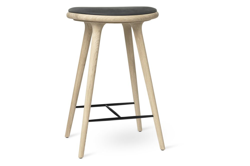 https://res.cloudinary.com/clippings/image/upload/t_big/dpr_auto,f_auto,w_auto/v1/products/high-stool-natural-soaped-solid-oak-antrhazite-69h-mater-space-copenhagen-clippings-11314190.jpg