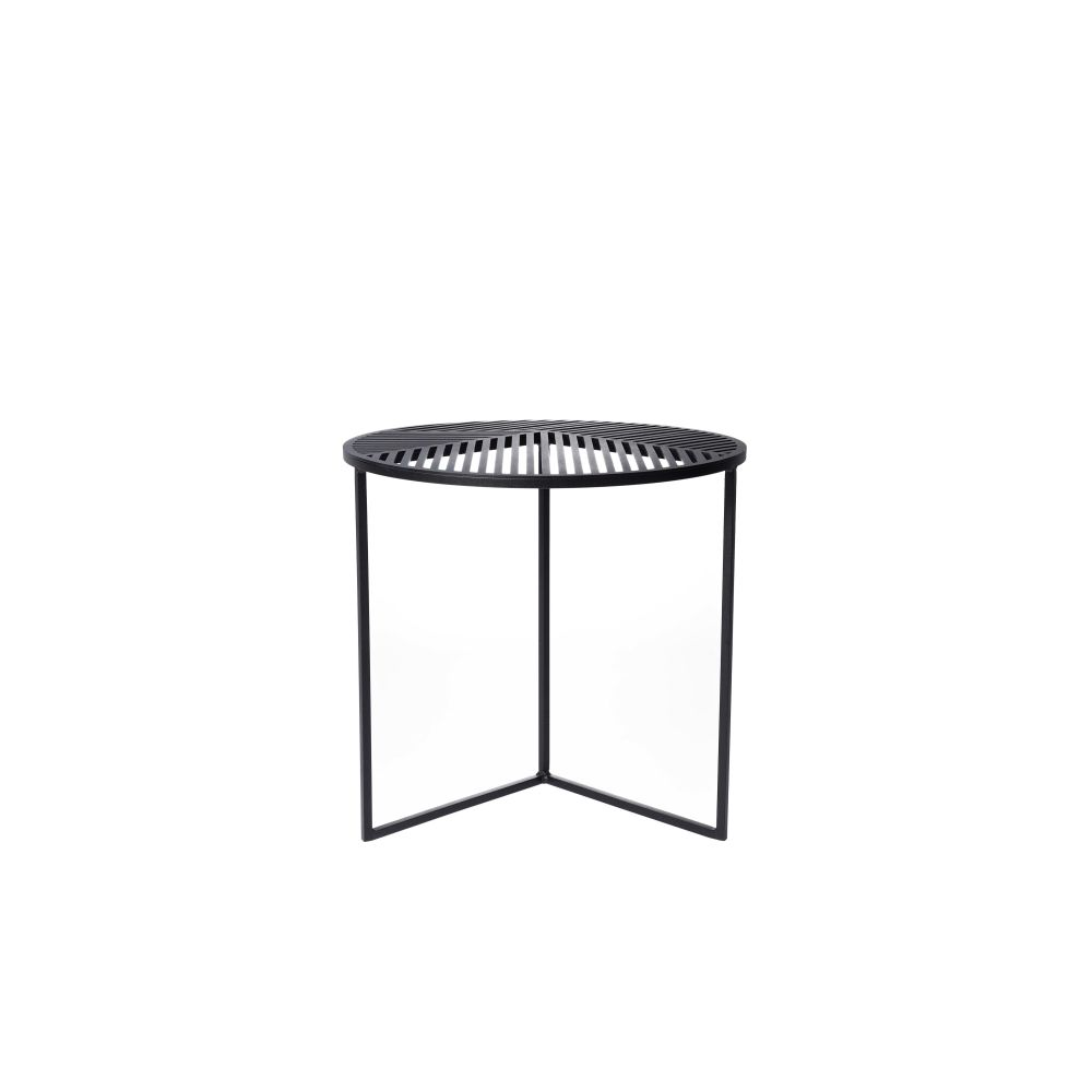 https://res.cloudinary.com/clippings/image/upload/t_big/dpr_auto,f_auto,w_auto/v1/products/iso-a-round-side-table-petite-friture-pool-clippings-1499321.jpg