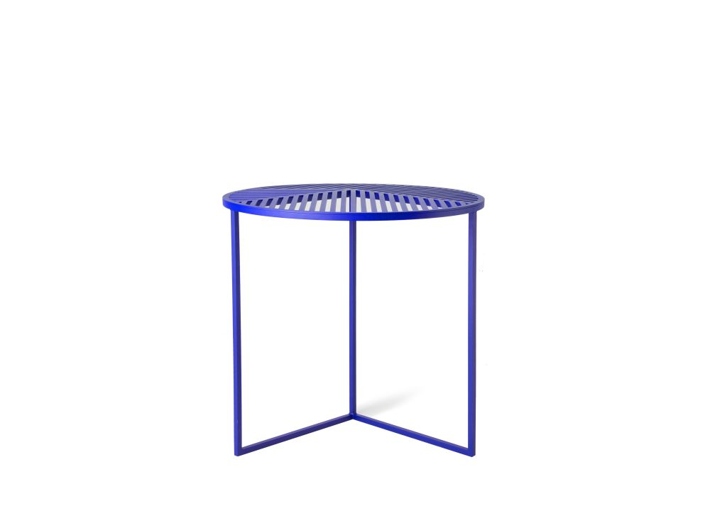https://res.cloudinary.com/clippings/image/upload/t_big/dpr_auto,f_auto,w_auto/v1/products/iso-a-round-side-table-petite-friture-pool-clippings-1499421.jpg
