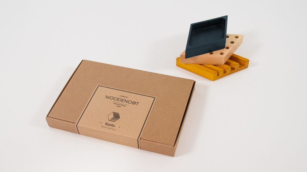 https://res.cloudinary.com/clippings/image/upload/t_big/dpr_auto,f_auto,w_auto/v1/products/kesito-desk-tidy-woodendot-woodendot-clippings-993961.jpg