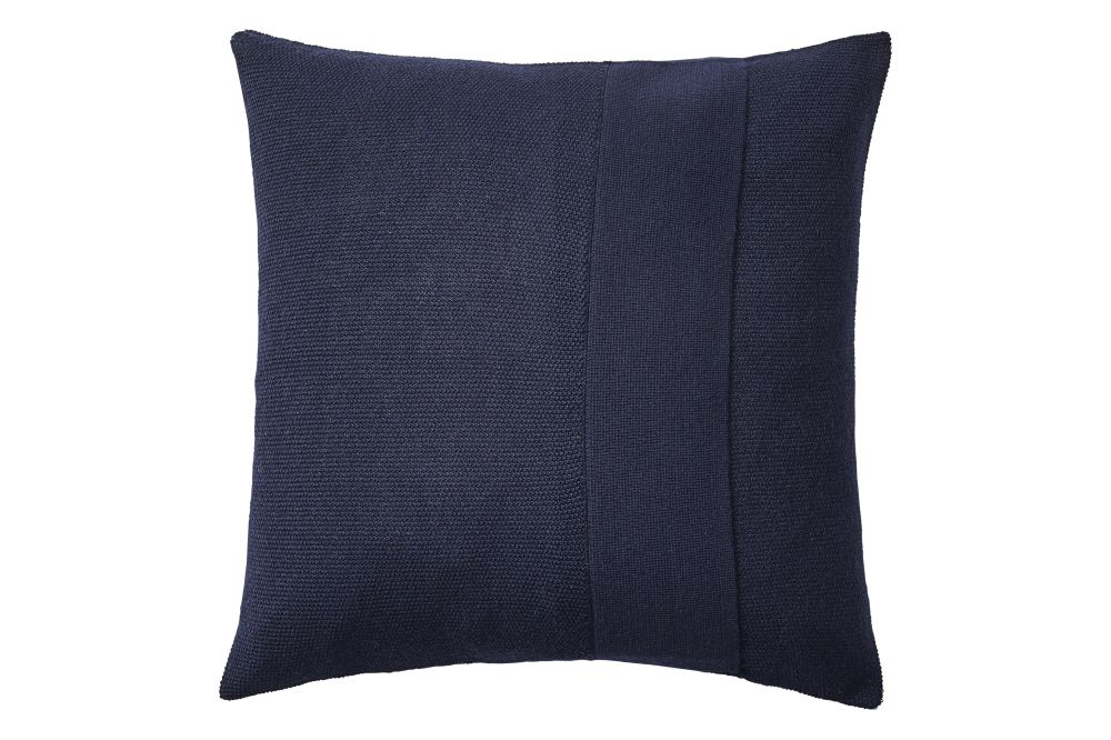 https://res.cloudinary.com/clippings/image/upload/t_big/dpr_auto,f_auto,w_auto/v1/products/layer-cushion-fabric-midnight-blue-50-x-50-muuto-aiayu-clippings-11345094.jpg