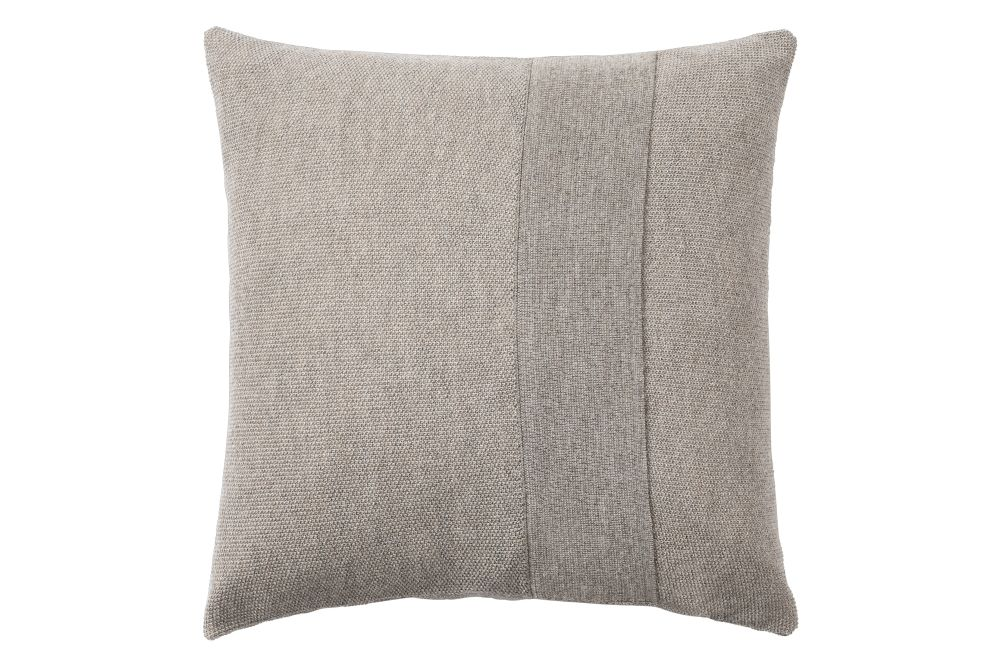 https://res.cloudinary.com/clippings/image/upload/t_big/dpr_auto,f_auto,w_auto/v1/products/layer-cushion-fabric-sand-grey-50-x-50-muuto-aiayu-clippings-11345091.jpg