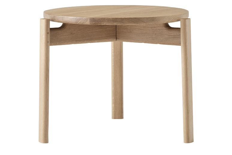 https://res.cloudinary.com/clippings/image/upload/t_big/dpr_auto,f_auto,w_auto/v1/products/passage-lounge-table-natural-oak-50-menu-kr%C3%B8yer-s%C3%A6tter-lassen-clippings-11495793.jpg